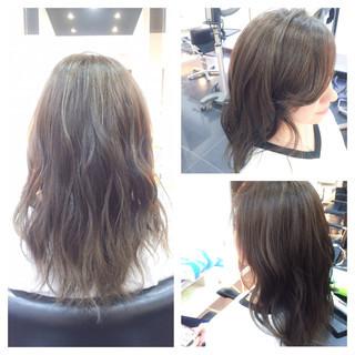 暗髪 グラデーションカラー ロング 外国人風 ヘアスタイルや髪型の写真・画像
