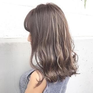 秋 ミディアム ミルクティー ニュアンス ヘアスタイルや髪型の写真・画像