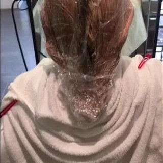 デート フェミニン ハイライト アッシュ ヘアスタイルや髪型の写真・画像 ヘアスタイルや髪型の写真・画像