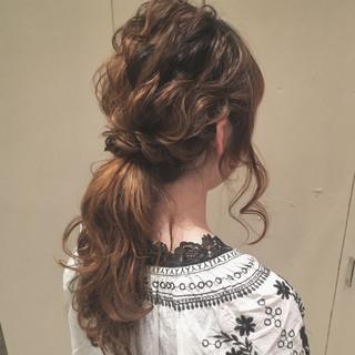 波ウェーブ ポニーテール ゆるふわ ロング ヘアスタイルや髪型の写真・画像