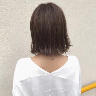 切りっぱなし 大人女子 外ハネ ナチュラル ヘアスタイルや髪型の写真・画像