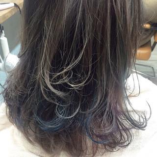 アッシュ 外国人風 グラデーションカラー セミロング ヘアスタイルや髪型の写真・画像