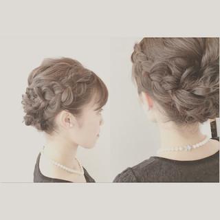 編み込み フェミニン セミロング ヘアアレンジ ヘアスタイルや髪型の写真・画像