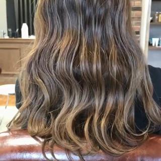 ベージュ ストリート 外国人風 グラデーションカラー ヘアスタイルや髪型の写真・画像