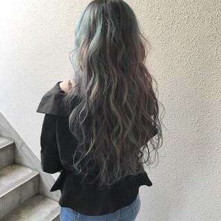 ストリート カラーバター 個性的 ハイトーン ヘアスタイルや髪型の写真・画像