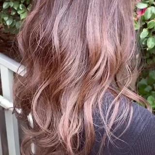 フェミニン ロング デート イルミナカラー ヘアスタイルや髪型の写真・画像