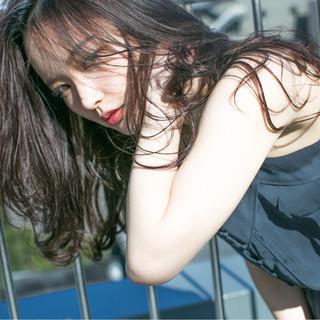 外国人風 黒髪 大人かわいい ピュア ヘアスタイルや髪型の写真・画像