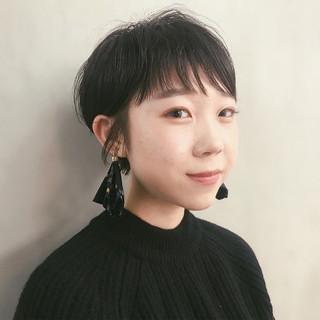 ナチュラル 黒髪 ショート 前髪パーマ ヘアスタイルや髪型の写真・画像