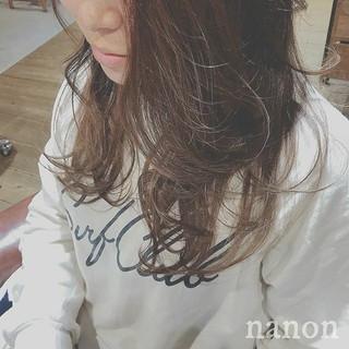 セミロング 愛され フェミニン 冬 ヘアスタイルや髪型の写真・画像