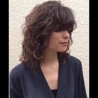 ウルフパーマヘア ミディアム ウルフカット ウルフ ヘアスタイルや髪型の写真・画像