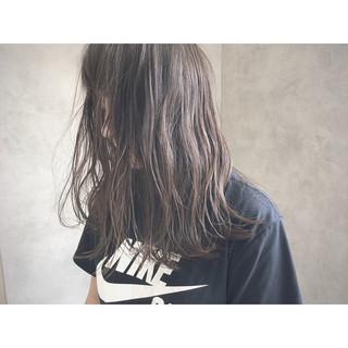 抜け感 グレージュ 透明感 ナチュラル ヘアスタイルや髪型の写真・画像