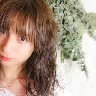 色気 リラックス デート 秋 ヘアスタイルや髪型の写真・画像