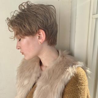 アンニュイほつれヘア モード パーマ スポーツ ヘアスタイルや髪型の写真・画像
