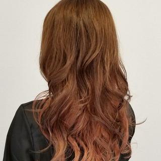 ピンク レッド 秋 透明感 ヘアスタイルや髪型の写真・画像