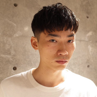 『メンズヘア専門美容師』ヤマモトカズヒコさんのヘアスナップ