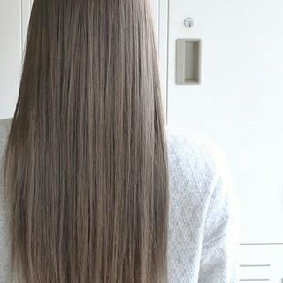 ロング 大人かわいい エレガント アッシュ ヘアスタイルや髪型の写真・画像