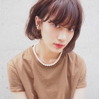 前髪あり ナチュラル レイヤーカット フェミニン ヘアスタイルや髪型の写真・画像