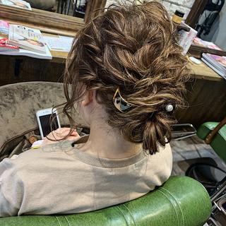 セミロング ミルクティーグレージュ 成人式 結婚式 ヘアスタイルや髪型の写真・画像