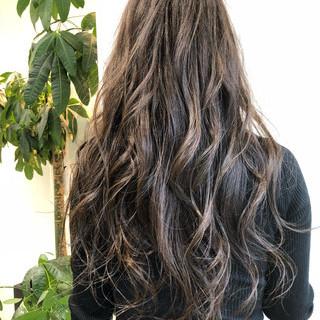 上品 外国人風カラー ロング エレガント ヘアスタイルや髪型の写真・画像