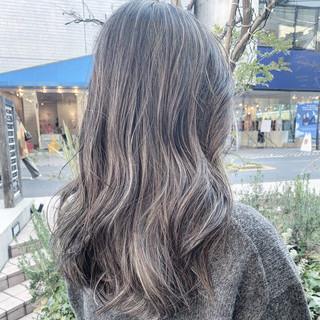 レイヤーロングヘア ナチュラル ハイライト ロング ヘアスタイルや髪型の写真・画像 ヘアスタイルや髪型の写真・画像