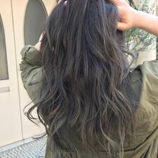 グラデーションカラー シルバーアッシュ ハイライト ハイトーン ヘアスタイルや髪型の写真・画像