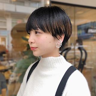 カジュアル ショートヘア ベリーショート ダークトーン ヘアスタイルや髪型の写真・画像