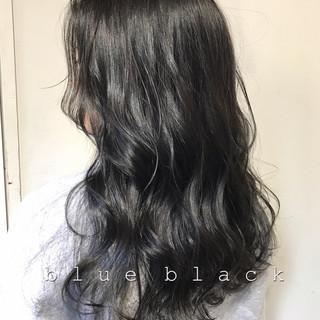 ナチュラル ブルーブラック オフィス グレージュ ヘアスタイルや髪型の写真・画像