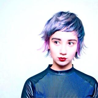 ショート ストリート 暗髪 外国人風 ヘアスタイルや髪型の写真・画像