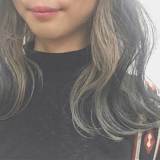 ミディアム 束感 アンニュイ ナチュラル ヘアスタイルや髪型の写真・画像