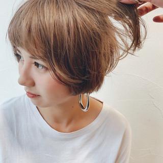 ガーリー ショート マッシュショート ベージュ ヘアスタイルや髪型の写真・画像