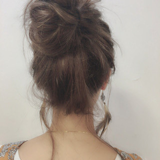 抜け感 ゆるふわ お団子 ヘアアレンジ ヘアスタイルや髪型の写真・画像