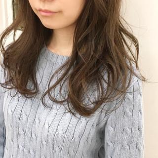 大人かわいい セミロング ニュアンス ナチュラル ヘアスタイルや髪型の写真・画像