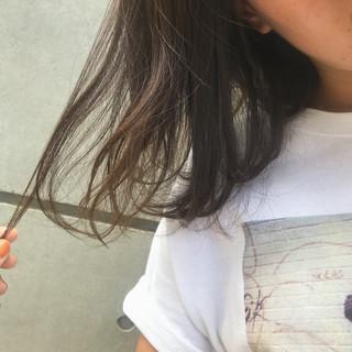 ミルクティーベージュ ナチュラル ブラウンベージュ ミディアム ヘアスタイルや髪型の写真・画像