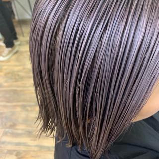 シルバー ハイトーンカラー 透明感カラー ブリーチカラー ヘアスタイルや髪型の写真・画像