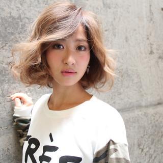 パーマ ハイライト グラデーションカラー 外国人風 ヘアスタイルや髪型の写真・画像