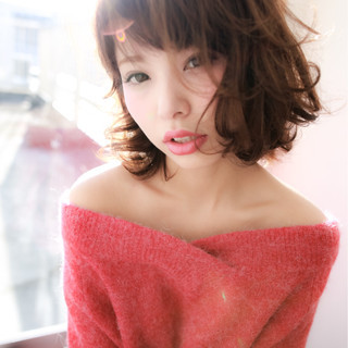 小顔 ミディアム ミルクティー 大人女子 ヘアスタイルや髪型の写真・画像