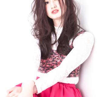 色気 パーマ デート 斜め前髪 ヘアスタイルや髪型の写真・画像