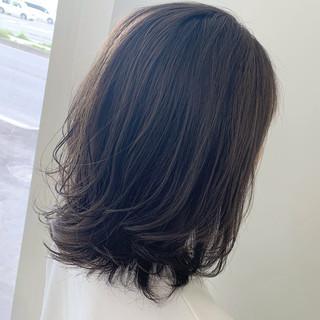 ショートボブ 巻き髪 切りっぱなしボブ ショートヘア ヘアスタイルや髪型の写真・画像