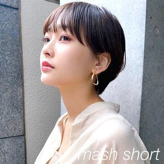 マッシュショート ナチュラル 暗髪 ショート ヘアスタイルや髪型の写真・画像