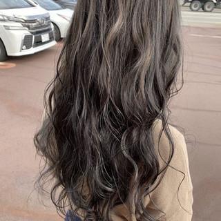 ロング モード デート グレージュ ヘアスタイルや髪型の写真・画像