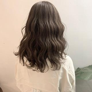 ナチュラルベージュ ブラウンベージュ ヌーディーベージュ ナチュラル ヘアスタイルや髪型の写真・画像