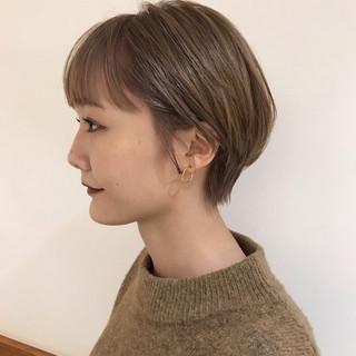 ショートボブ ショート ヌーディベージュ 秋冬スタイル ヘアスタイルや髪型の写真・画像