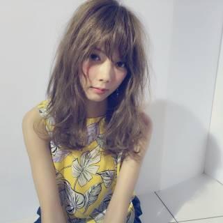 フェミニン 透明感 セミロング ボーイッシュ ヘアスタイルや髪型の写真・画像