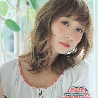 透明感 パーマ ミディアム コンサバ ヘアスタイルや髪型の写真・画像 ヘアスタイルや髪型の写真・画像