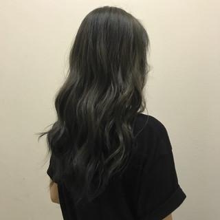 ナチュラル ロング 透明感 オリーブアッシュ ヘアスタイルや髪型の写真・画像 ヘアスタイルや髪型の写真・画像