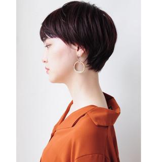 小顔ショート ハンサムショート ピンクブラウン マッシュショート ヘアスタイルや髪型の写真・画像