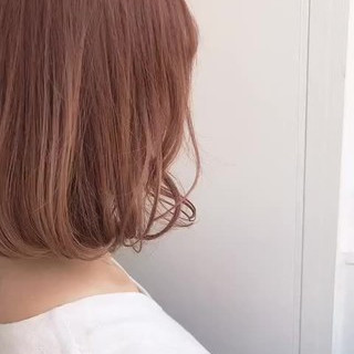 ストリート ピンクベージュ 透明感 まとまるボブ ヘアスタイルや髪型の写真・画像