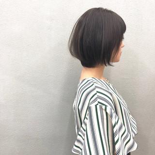 ショートヘア ナチュラル ショートボブ ヘアカラー ヘアスタイルや髪型の写真・画像
