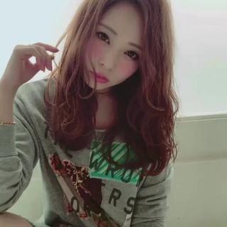 ロング 前髪あり ニュアンス パーマ ヘアスタイルや髪型の写真・画像 ヘアスタイルや髪型の写真・画像