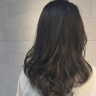 外国人風 アッシュグレージュ アッシュ ナチュラル ヘアスタイルや髪型の写真・画像